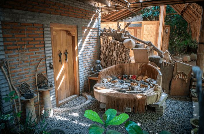 Arsitektur-Mepantigan-Dari-Kayu-dan Bambu