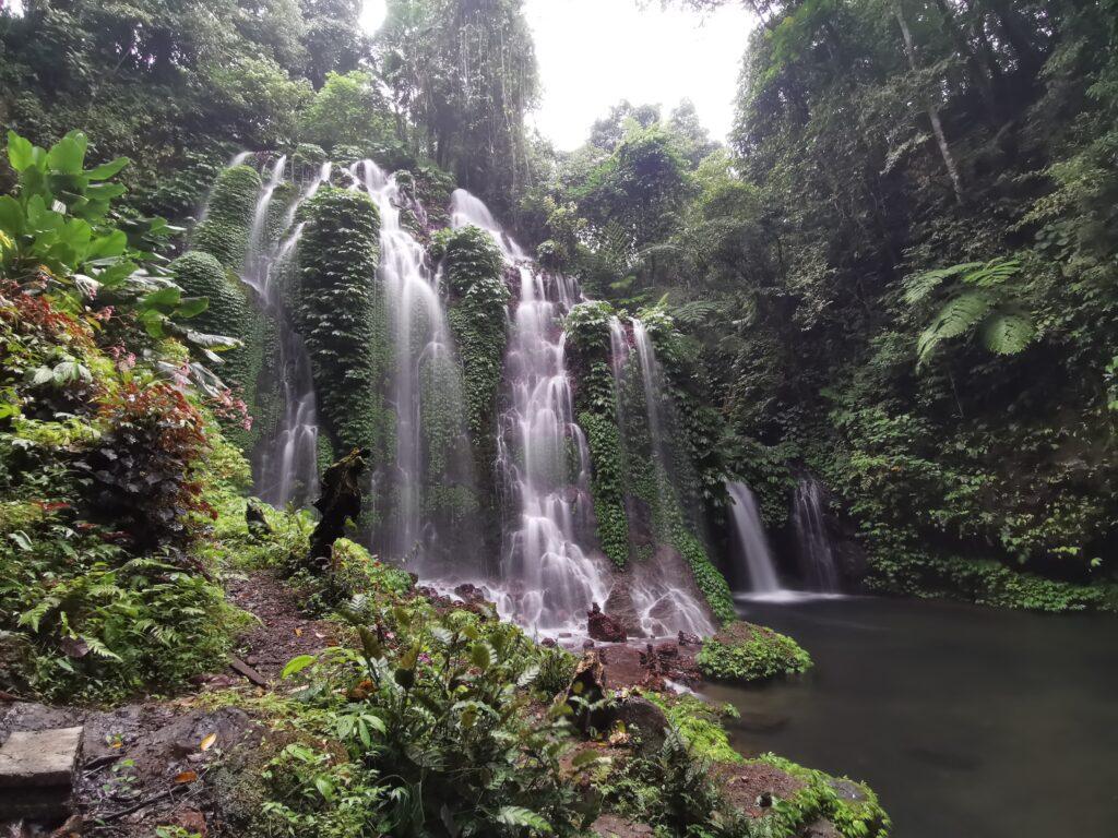 Spray-Waterfall-Banyu-Wana-Amertha-Waterfall